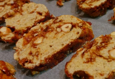 Hazelnut biscotti13
